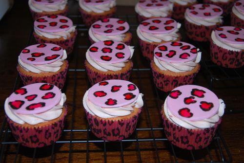 Cheetah Cupcakes-6