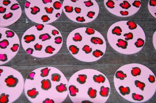 Cheetah Cupcakes-3
