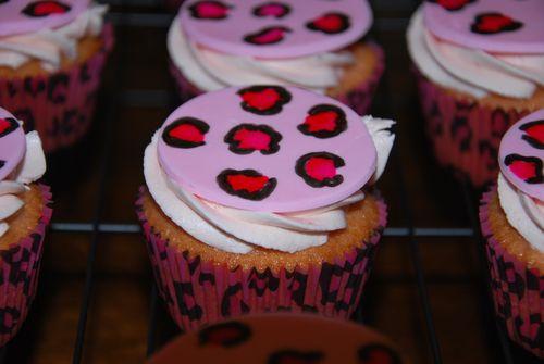 Cheetah Cupcakes-7